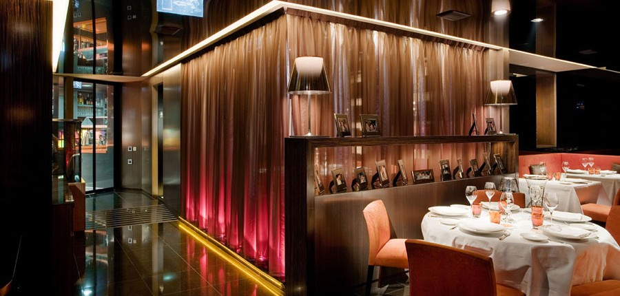 Con Luz Propia- Iluminación del comedor del restaurante Mandi
