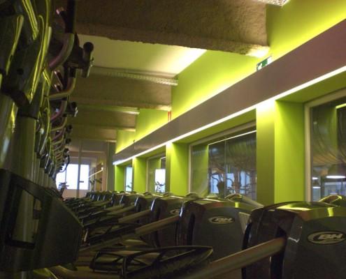 Con Luz Propia- Iluminación de una de las salas de Holiday Gym