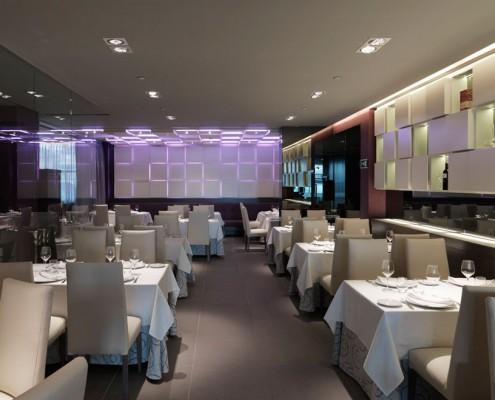 Con Luz Propia- Vista de la iluminación del restaurante El Tenedor de Villa