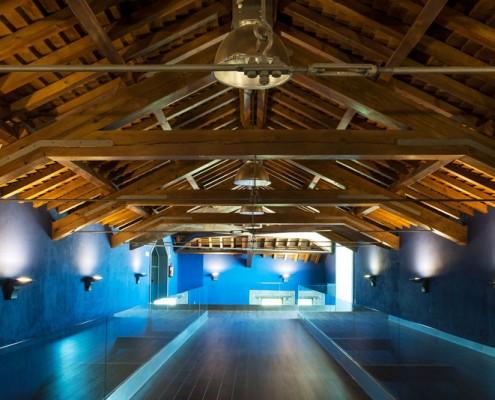 Con Luz Propia- Iluminación en el techo de Bodega Manzaneque